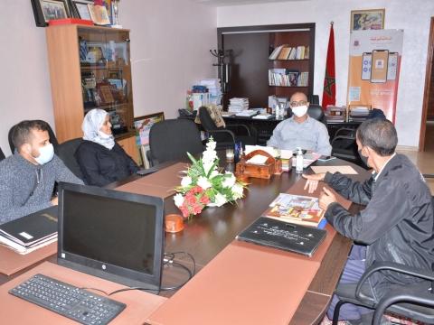 """رئيس الجماعة يستقبل أعضاء جمعية"""" أبواب الباديةللثقافة والإعلام والمحافظة على التراث"""" بتيزنيت"""